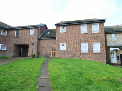 Property image of home to let in Wyatt Road, Dartford
